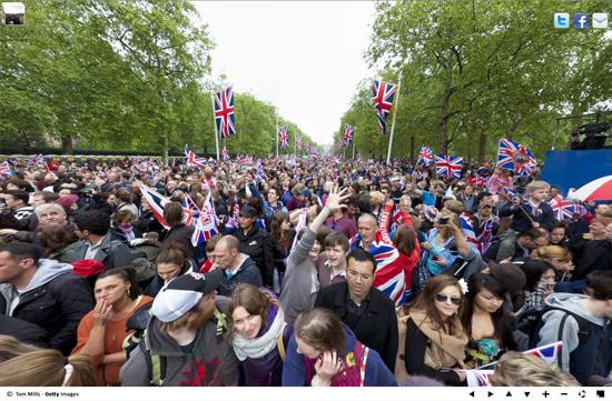 royal wedding crowd1 Royal Wedding Crowds