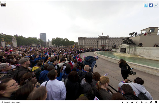 360 Panoramas  royal-wedding-crowd2
